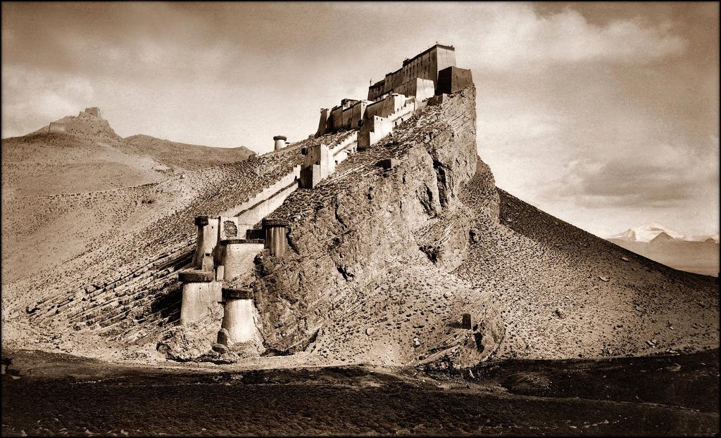 Kampa Dzong 1904 John C. White