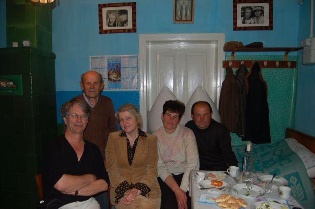 Portrait de groupe lointain ferme Toulova