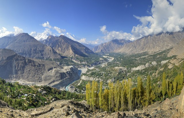 1920px-Hunza_Valley,_view_from_Eagle's_Nest